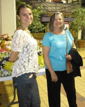 Steering Committee members Rose Zonetti and Diane Albrecht at Farm to You! Fest.